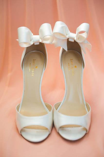 00ef418d12 10 farebných variácií pre svadobné topánky - Družička