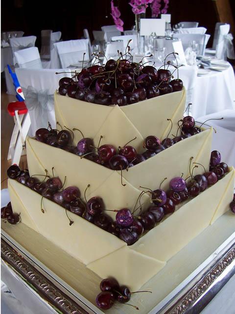 ceresnova_svadobna_torta_tartuficakes.co.uk