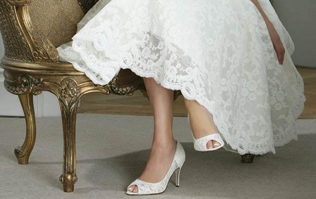 90783e43e7d7 Čo si obuť do svadobných topánok  – 1. - Družička