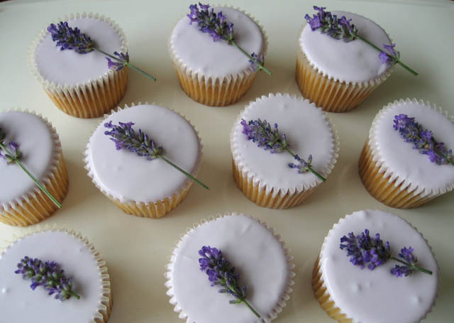 levandulove_cup_cakes_lacebakery.blogspot.com