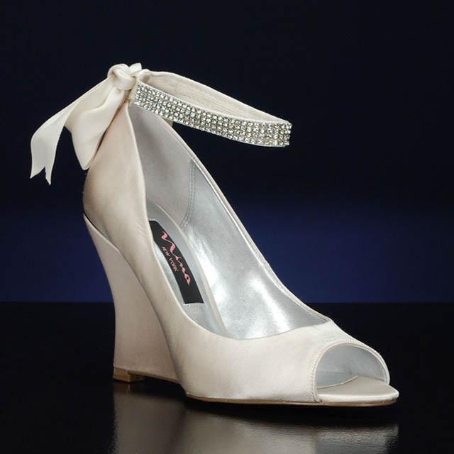 tvrde_svadobne_topanky_bridalshoes.com