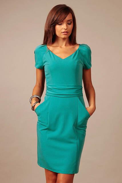 22c681f701 Trendy a slušivé šaty na koncoročný večierok i dámsku jazdu - Družička