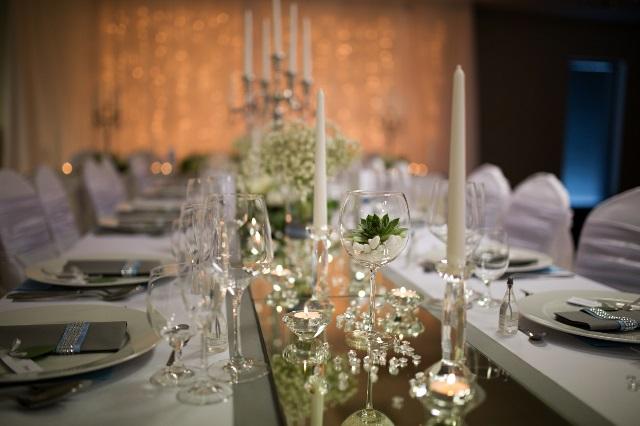 jednoducha krystalova vyzdoba na svadbu