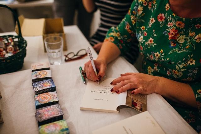 Zuzana Almáši Koreňová autogramiáda krstu knihy vo Zvolene