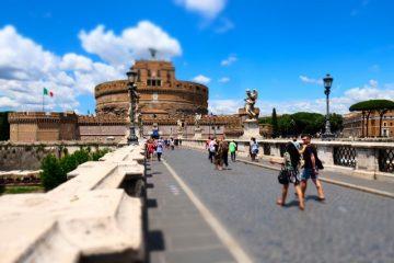 Svadba v Rime, Anjelsky most a hrad