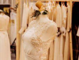 64112e4e39f6 Originálne svadobné šaty Yoora Studio nebude mať okrem Vás žiadna ...