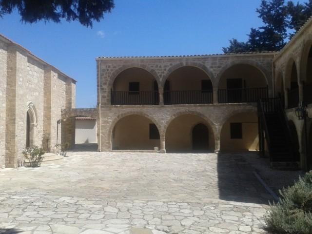 Cyprus_nadvorie_na_svadobny_kokteil
