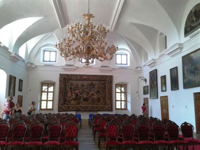 Novy_luster_na_Bojnickom_zamku