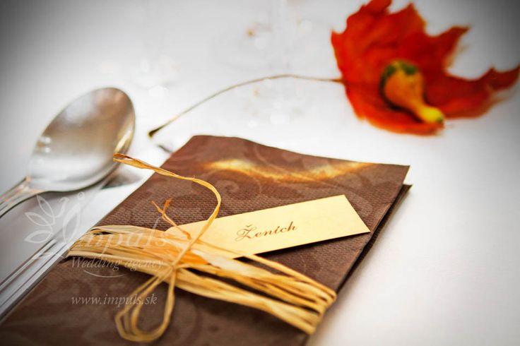 jesenna_svadba_menovky_na_servitke
