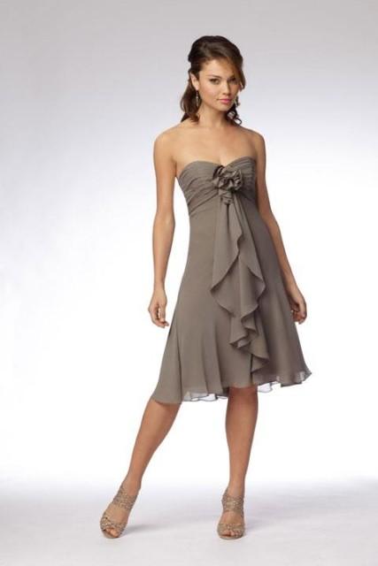 99df0740f15f Ako vybrať šaty pre družičky  - Družička