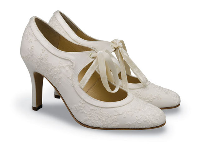 svadobne_poltopanky_Diane-Hassall-vintage-wedding-shoes-collection
