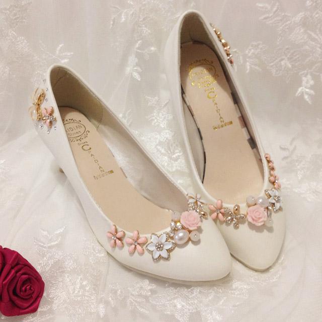 a2f0197a2b64 10 tipov ako si vyzdobiť svadobné topánky - Družička